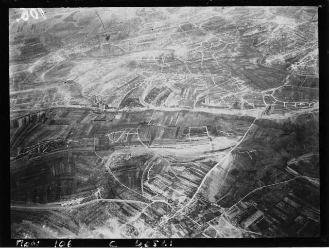 La Bataille de Verdun HISTORIQUE  verdun-prise-de-vue-avion