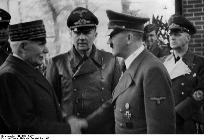 Poignée de main entre Pétain et Hitler  1166